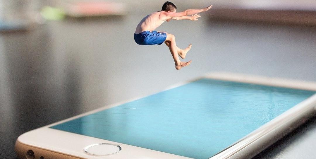 Sind Smartphone, Internet & Co sicher für Kids und Teens? Ein Interview mit Medienexpertin Leonie Lutz